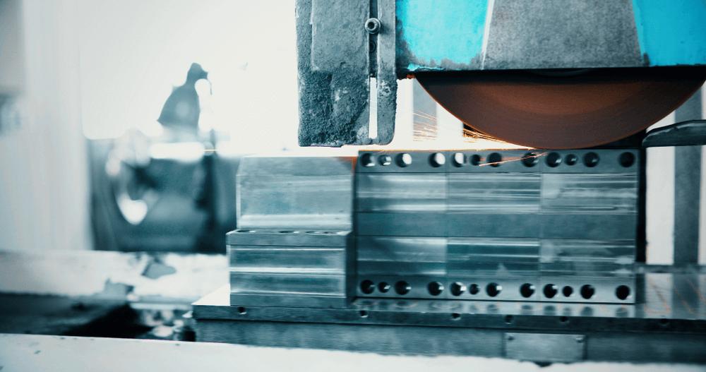 poliravimas-staklemis-metaliniai-gaminiai